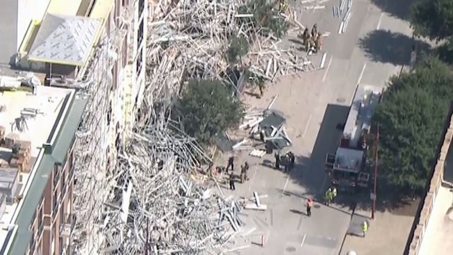 6 Workers Hurt When Scaffolding Collapses in Downtown Houston