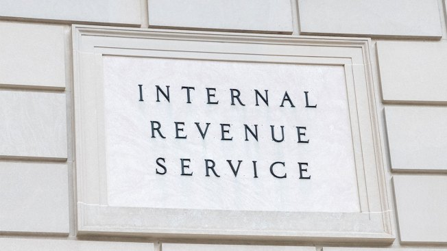 IRS Recalling 46,000 Workers to Handle Taxes as Shutdown Continues