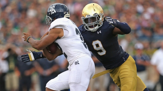 Chris Brown Heaps Praise on Notre Dame Teammate Jaylon Smith