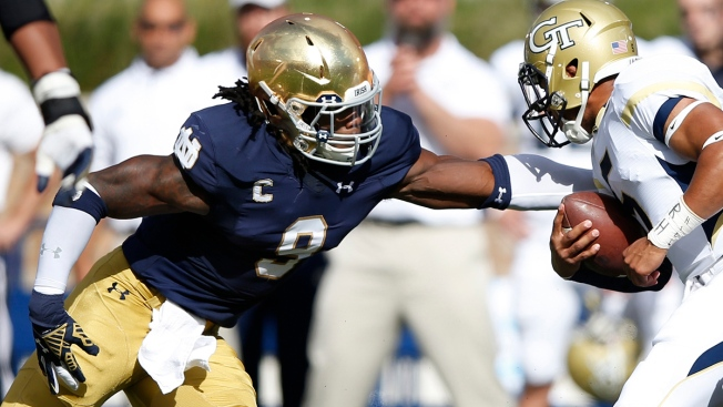 Jaylon Smith Won't Rule Out Playing in 2016