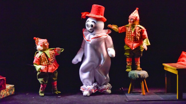 Kathy Burks Theatre of Puppetry Arts Pulls Heartstrings for the Holidays at Dallas Children's Theater