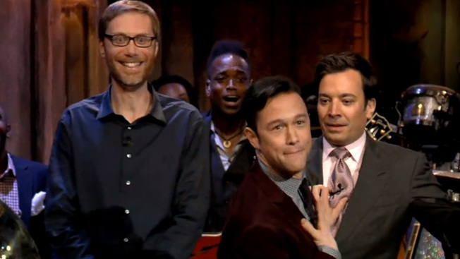 "Joseph Gordon-Levitt, Stephen Merchant and Jimmy Fallon Lip-Sync Battle on ""Late Night"""