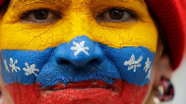 Venezuela's Maduro Announces Power Rationing Amid Outages