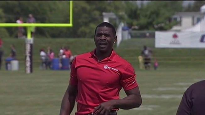 Michael Irvin Tosses Support Behind Dez Bryant Nbc 5
