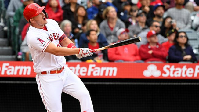 Trout Homers, Angels Rally for 6 in 7th to Edge Rangers
