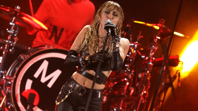 Miley Cyrus Undergoes Vocal Cord Surgery After Dealing With Tonsillitis