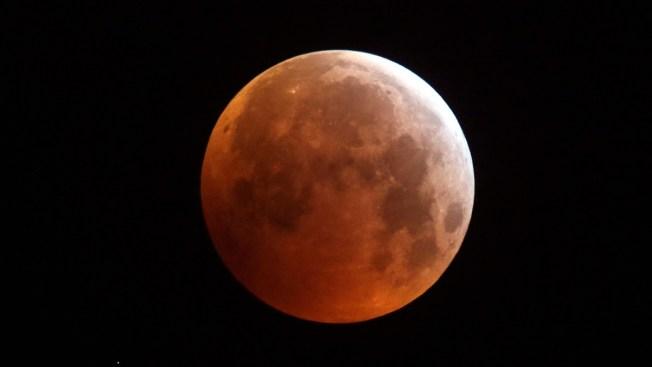 [NATL] Stunning Photos of the Super Blood Wolf Moon