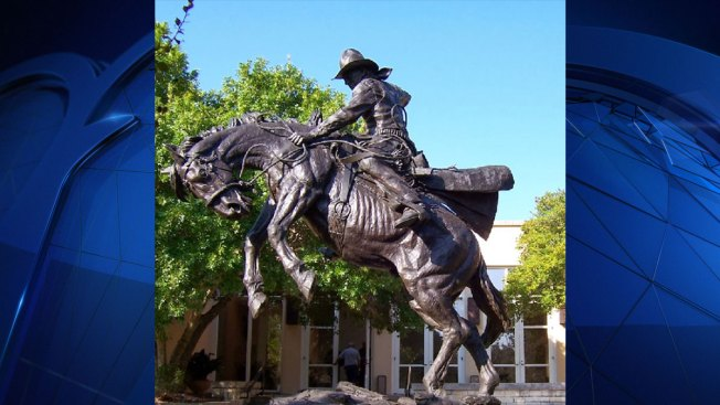 Texas: Western Artist Inspired by Museum in Kerrville