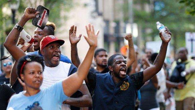 Protesters Nationwide Denounce Police Shootings, Condemn Dallas Attack
