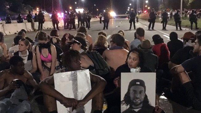Police May Change Tactics at Protests After Dallas Shooting