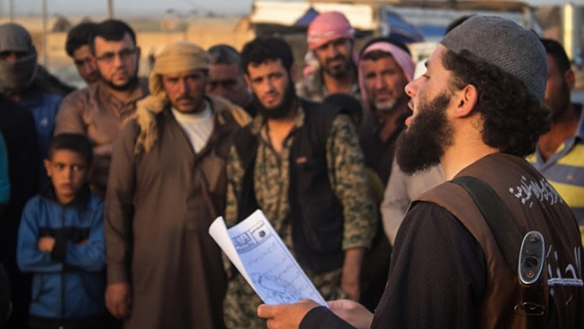 ISIS Digs In, Anticipating Assault on Syria's Raqqa