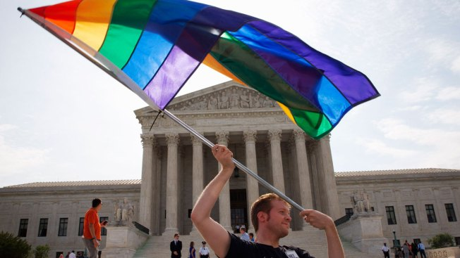 Texas Bill Lets Officials Deny Issuing Gay Marriage Licenses