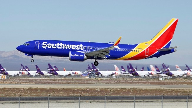 Lawsuit: Southwest Pilots Streamed Video From Bathroom Cam