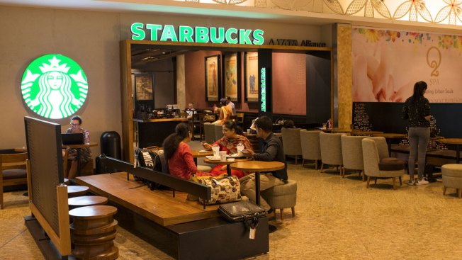 Starbucks to Hire 10,000 Refugees Over Next 5 Years; Trump Supporters Unhappy