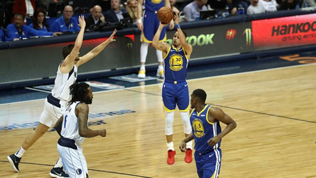 Curry Scores 48, Hits 11 3s as Warriors Beat Mavs