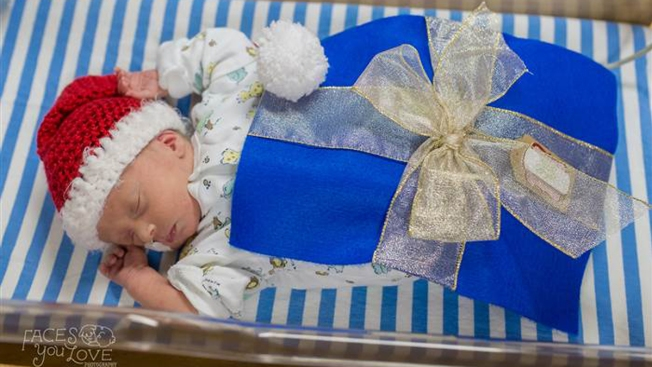 NICU Babies Dressed as Gifts Help Families Celebrate the Holidays