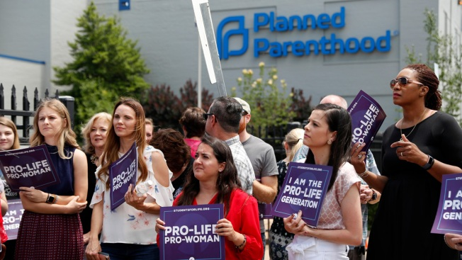 Abortions Can Continue at Missouri's Lone Clinic -- for Now