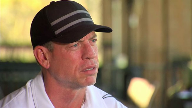 "Joe Buck Says Troy Aikman ""Curses Like a Sailor"" on the Golf Course"