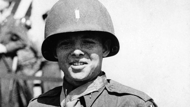 Perry to Present Posthumous Medal to WWII Hero