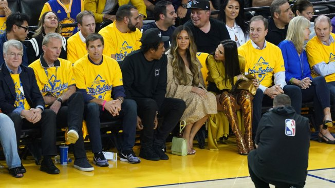 The Beyoncé Side-Eye That's Melting the Internet