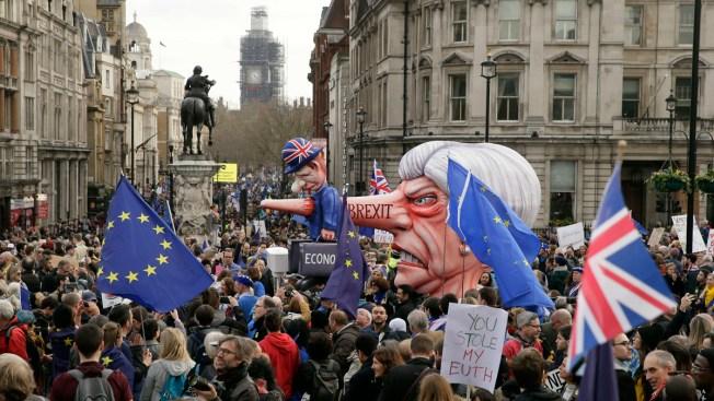 Anti-Brexit Marchers Flood Into London, Demand New Vote