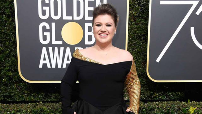 North Texan Kelly Clarkson Meets Her 'American Idol' at the Golden Globes