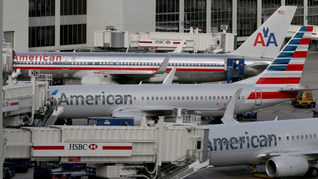 American Airlines pilots given too much Christmas holiday