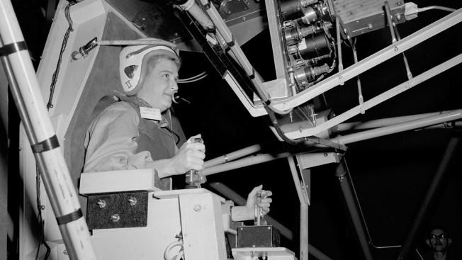America's 1st Female Astronaut Candidate, Jerrie Cobb, Dies