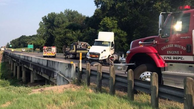 Fuel Spill Closes Eastbound Side of Interstate 20 in Kaufman County