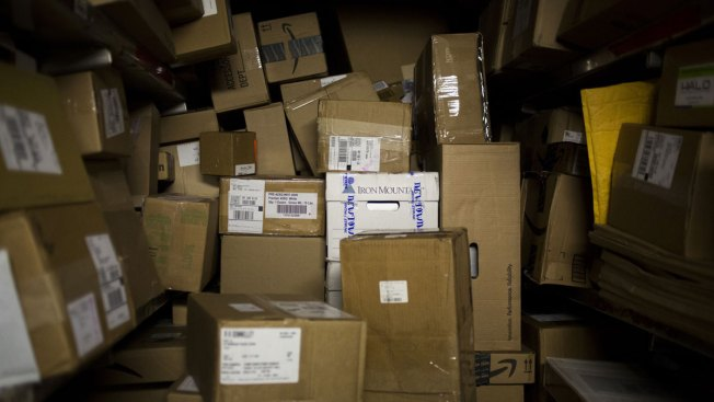 How to Ship Packages Safely and Securely for the Holiday Season