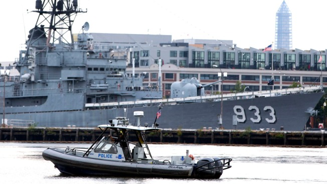 """Navy Issues """"Order to Account,"""" Sets Up Hotlines After Washington Navy Yard Shooting"""
