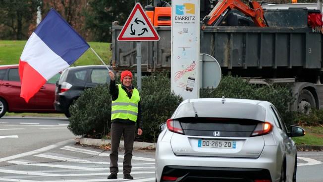 Macron Urges Calm, Paris Police Prepare for More Violence