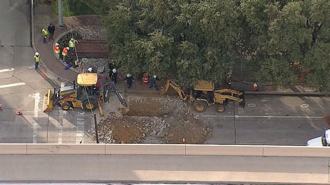 Ruptured Gas Line Repaired Along Dallas North Tollway Service Road