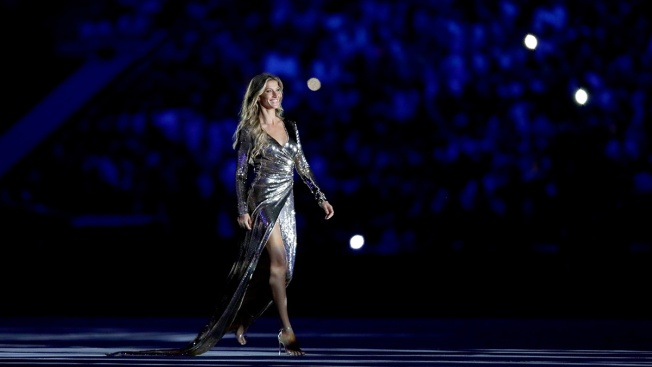 Gisele Bundchen Makes Impressive Appearance in 2016 Opening Ceremony After Controversial Skit is Yanked