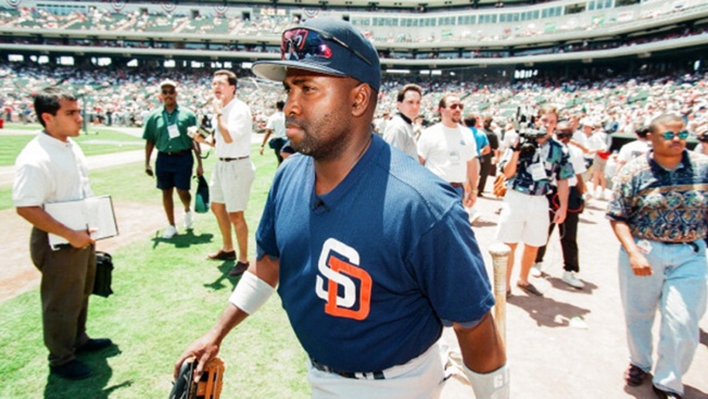 Tony Gwynn Memorial Statue to Be Unveiled on His Birthday