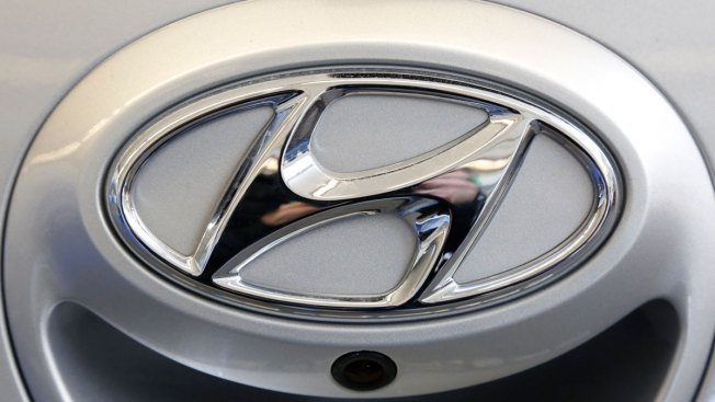 Hyundai Recalls Minivans; Hoods Can Fly Open While Moving