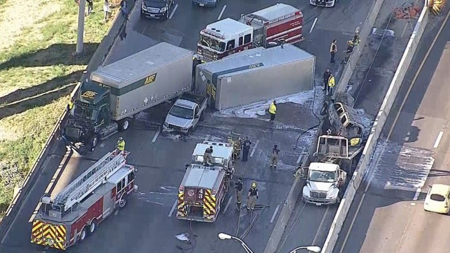 Southbound Interstate 35E in Dallas Reopens After Crash