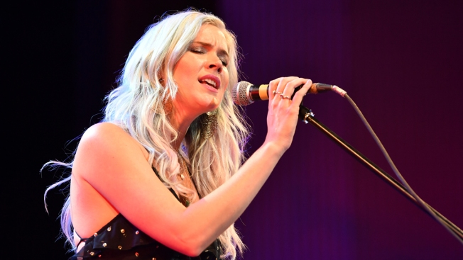 British Singer Joss Stone Says She Was Deported From Iran