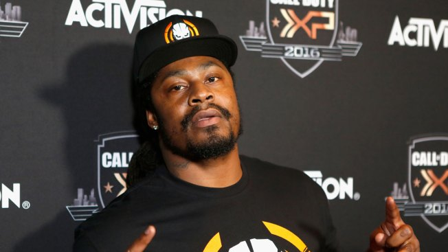Marshawn Lynch Weighs in on Kaepernick Kneeling Protest