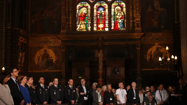 Paris Easter Mass Honors Firefighters Who Saved Notre Dame