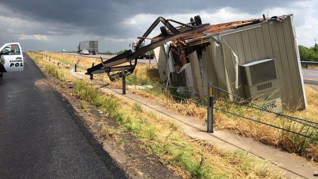 I-35W Back Open After Mobile Home Trailer Overturns