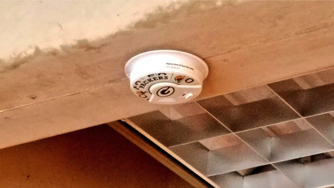 Dallas Fire Chief Installs Packers Smoke Alarm As Bet Payoff