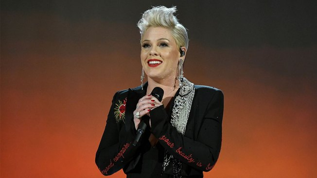 P!nk Stops at Buc-ee's During Texas Road Trip