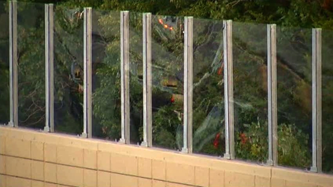 TxDOT Tests Plastic Sound Barrier Along I-30 in Dallas