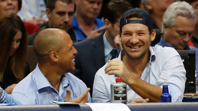 Tony Romo, Miles Austin Courtside at Mavs, Pistons Game