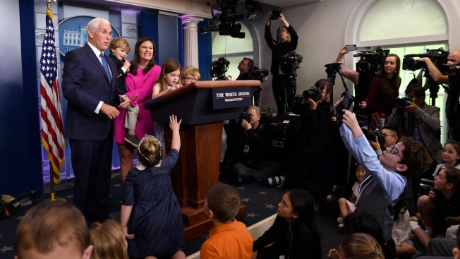 Sanders Holds 1st Press Briefing Since Feb. 28, But for Kids