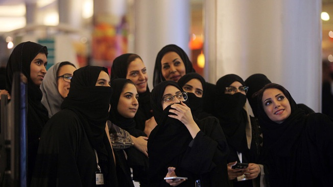 Saudi King's New Order Loosens Guardianship Rules on Women