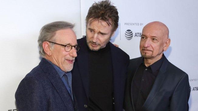In Emotional Reunion, Spielberg Revisits 'Schindler's List'