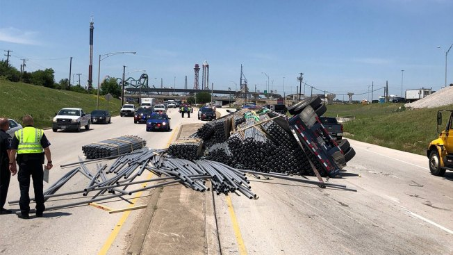 Six Flags Drive Back Open After Crash at Interstate 30, Texas 360 in Arlington