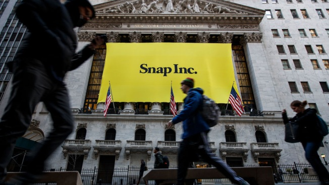 Snapchat's Stock Plummets Nearly 25% Following Its First Earnings Report